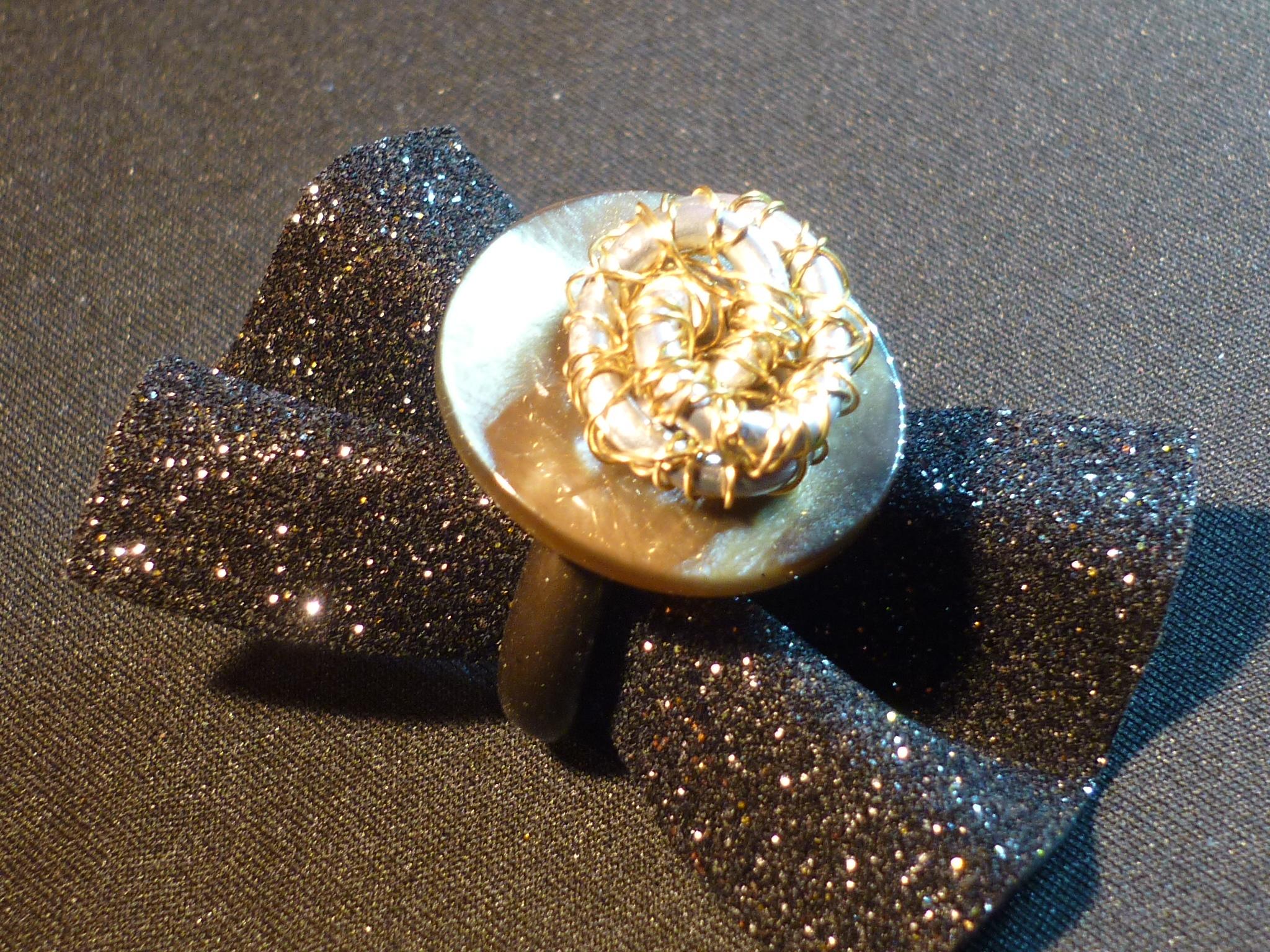 anello madreperla bronzo