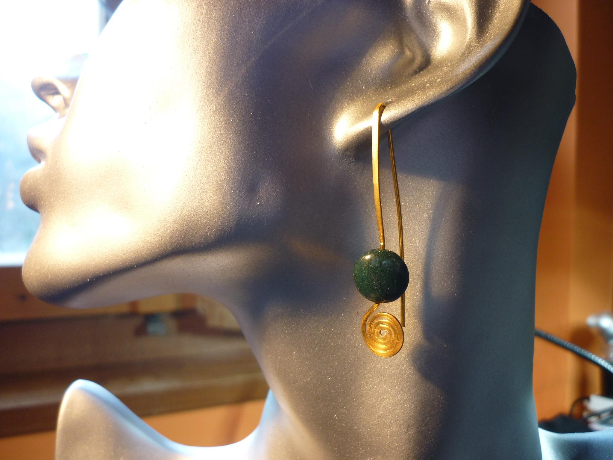 orecchini filo con agata