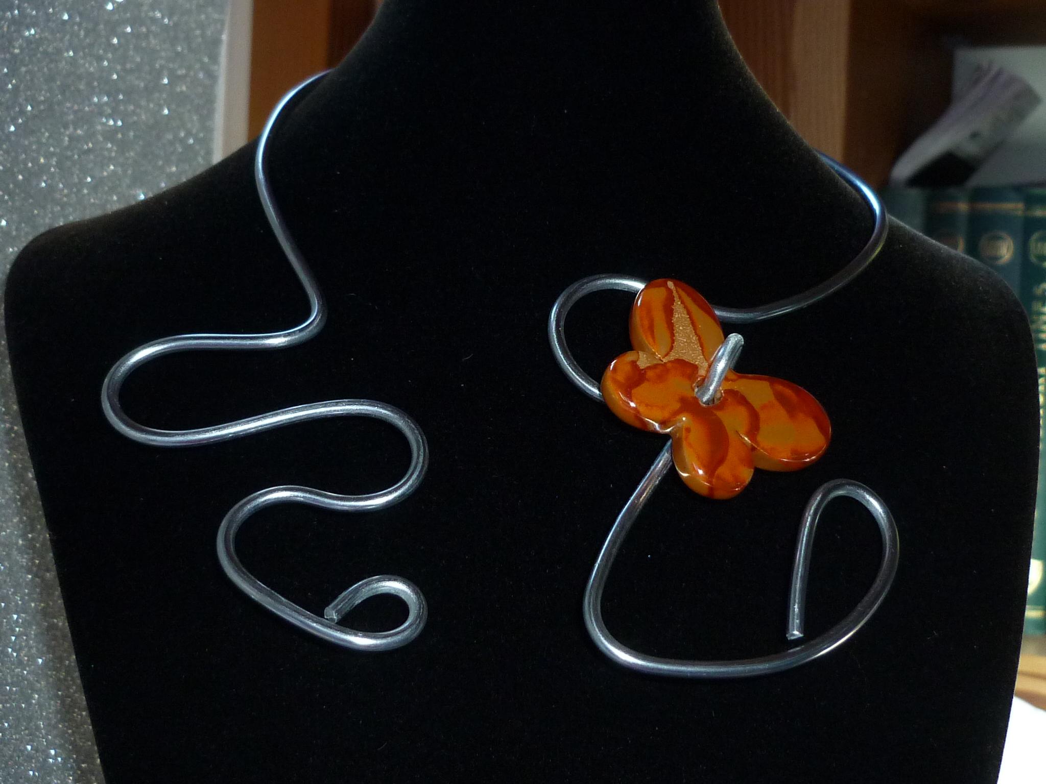 Collier farfalla arancione