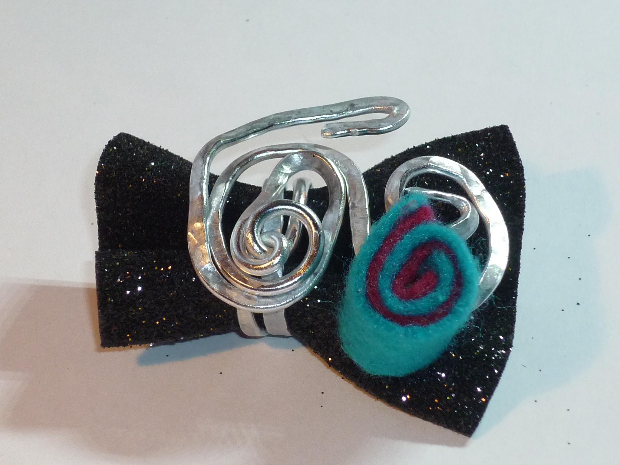 Anello spirale turchese e malva