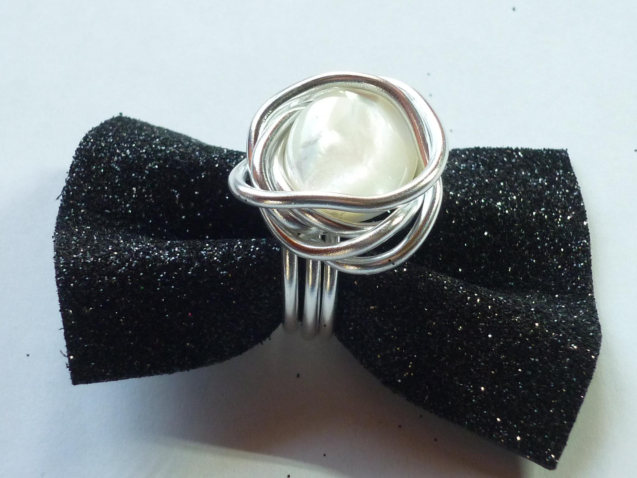 Anello alluminio e madreperla