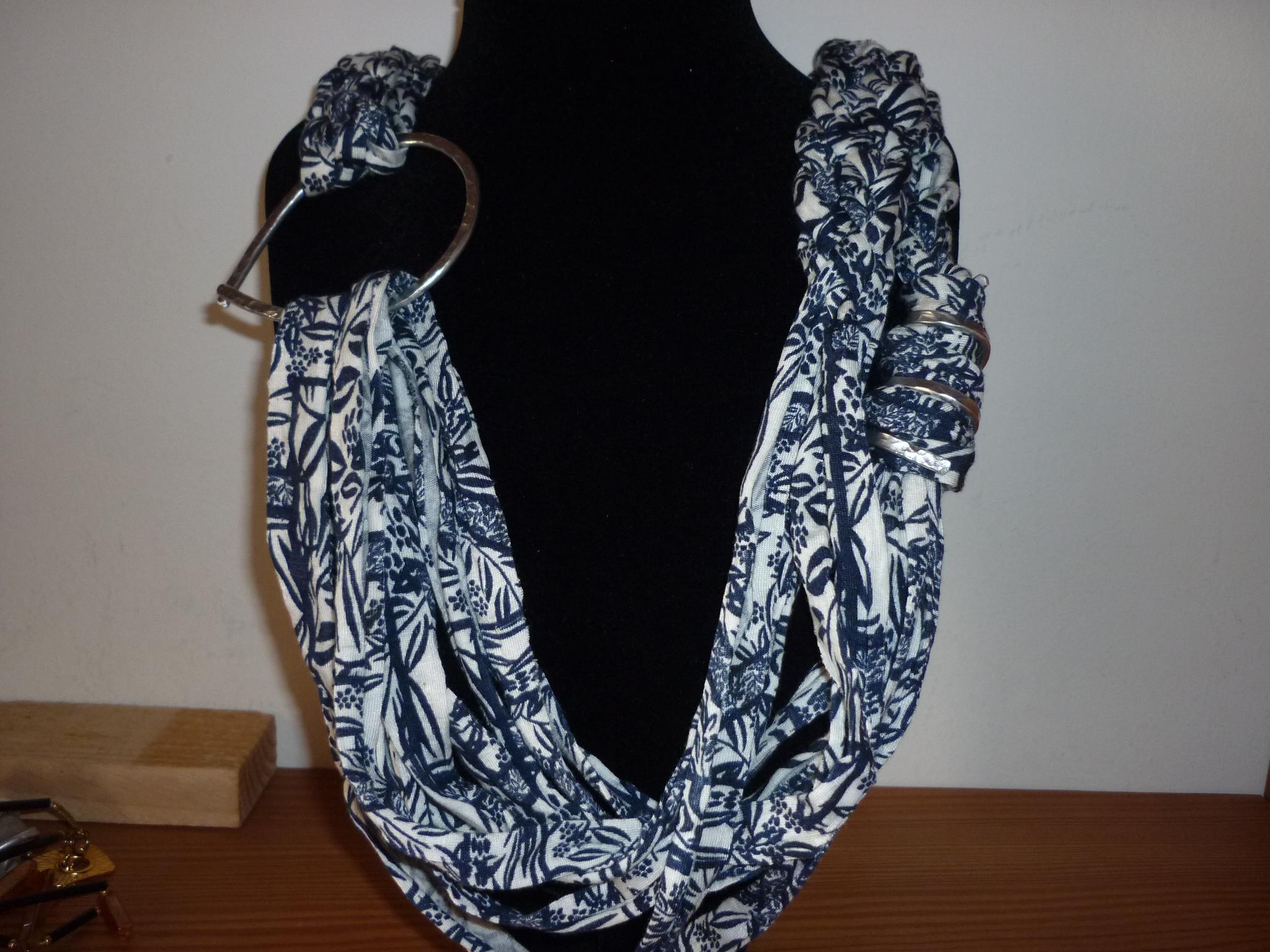 Collana fettuccia bianco-blu
