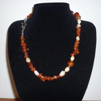 Collana corniola e perle