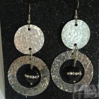 Orecchini cerchi alluminio e onice con strass