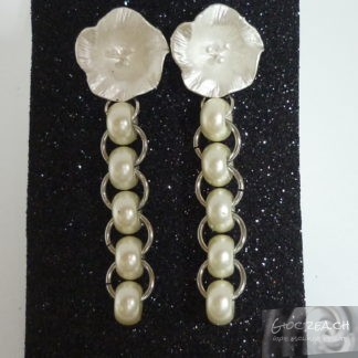 Orecchini fiore con perle